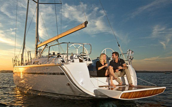 Discover Palma, Illes Balears surroundings on this Cruiser 37 Bavaria boat