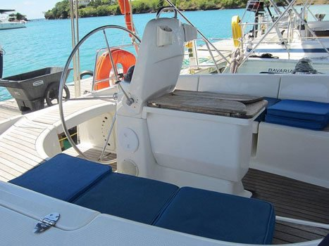 Boat rental in True Blue,