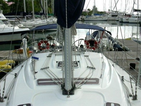This 43.0' Bavaria cand take up to 6 passengers around True Blue