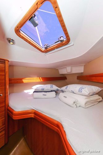 This 31.0' Bavaria Yachtbau cand take up to 6 passengers around Istra