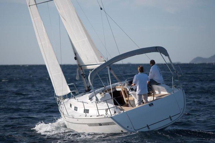 Discover Split region surroundings on this Bavaria Cruiser 32 Bavaria Yachtbau boat