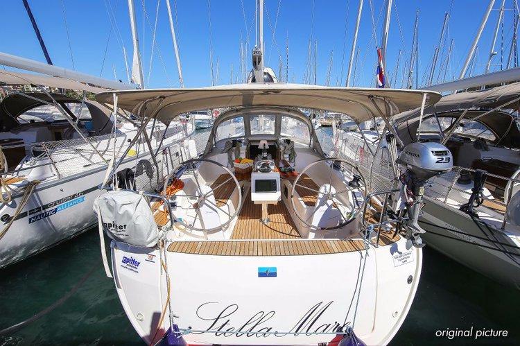Sail  waters on a beautiful Bavaria Yachtbau Bavaria Cruiser 37