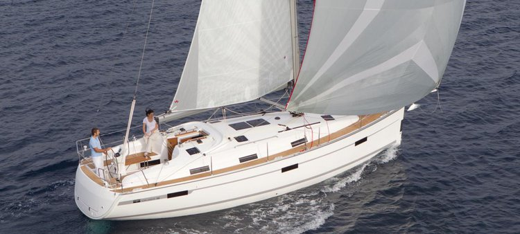 The perfect boat to enjoy everything Côte d'Azur has to offer