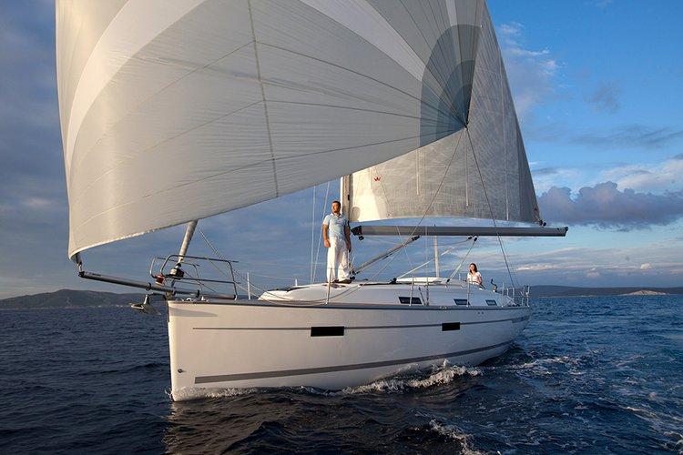 This Bavaria Yachtbau Bavaria Cruiser 36 is the perfect choice