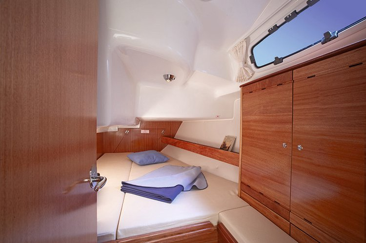 Discover Split region surroundings on this Bavaria 37 Cruiser Bavaria Yachtbau boat