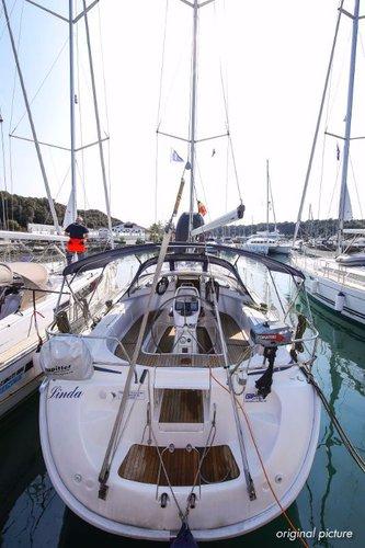 Discover Istra surroundings on this Bavaria 39 Cruiser Bavaria Yachtbau boat