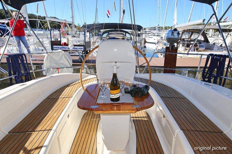 This 39.0' Bavaria Yachtbau cand take up to 7 passengers around Istra