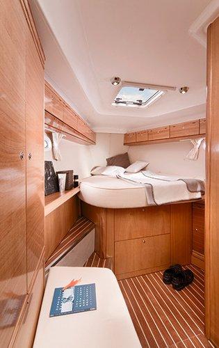 Discover Campania surroundings on this Bavaria 40 Cruiser Bavaria Yachtbau boat