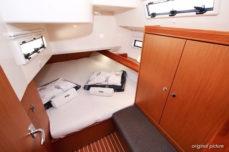 Discover Istra surroundings on this Bavaria Cruiser 40 Avantgarde Bavaria Yachtbau boat