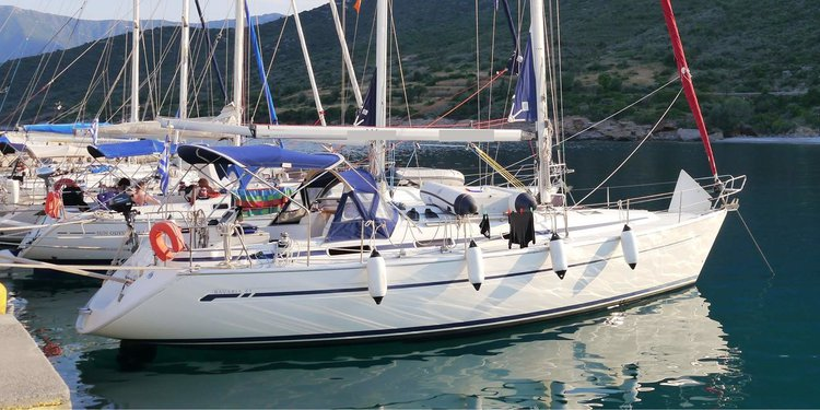Jump aboard this beautiful Bavaria Yachtbau Bavaria 41