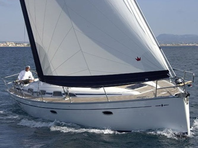 This 42.0' Bavaria Yachtbau cand take up to 10 passengers around Ionian Islands