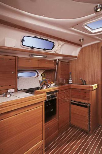Discover Split region surroundings on this Bavaria 42 Cruiser Bavaria Yachtbau boat