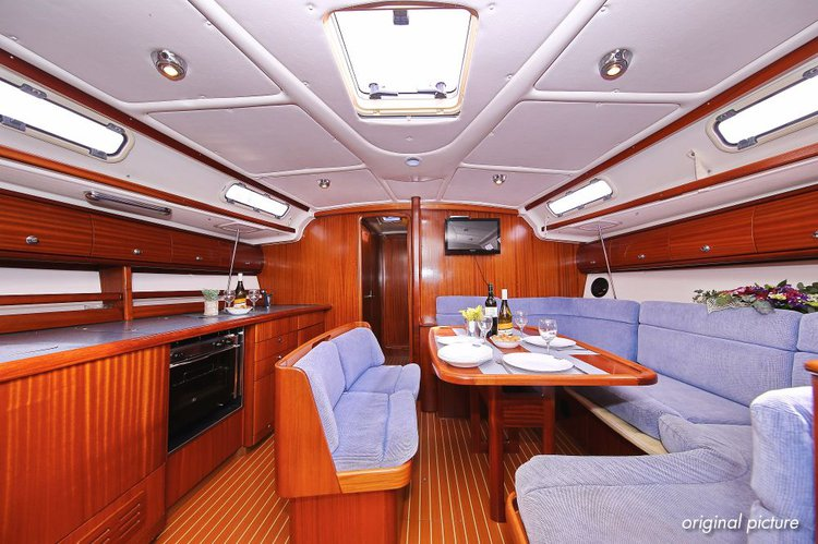 This 45.0' Bavaria Yachtbau cand take up to 9 passengers around Split region