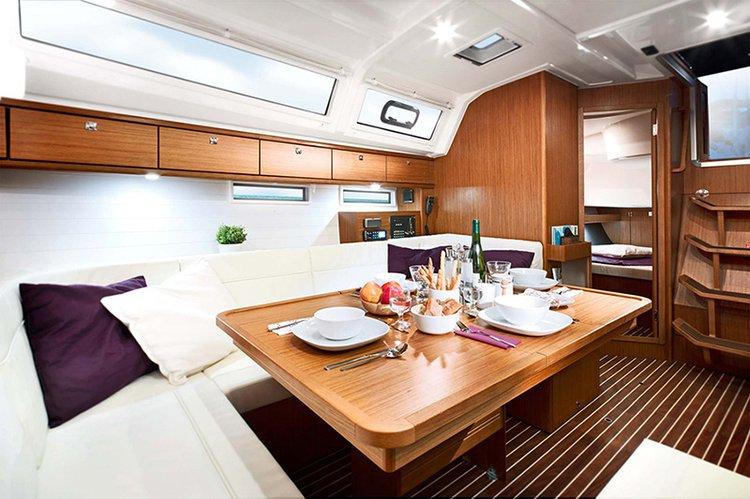 This 46.0' Bavaria Yachtbau cand take up to 10 passengers around Sardinia