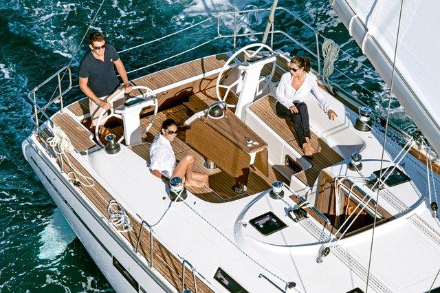This 46.0' Bavaria Yachtbau cand take up to 10 passengers around Saronic Gulf