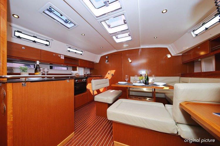 This 46.0' Bavaria Yachtbau cand take up to 7 passengers around Split region