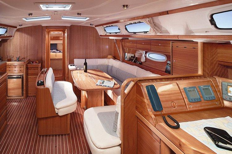 This 47.0' Bavaria Yachtbau cand take up to 10 passengers around Lazio