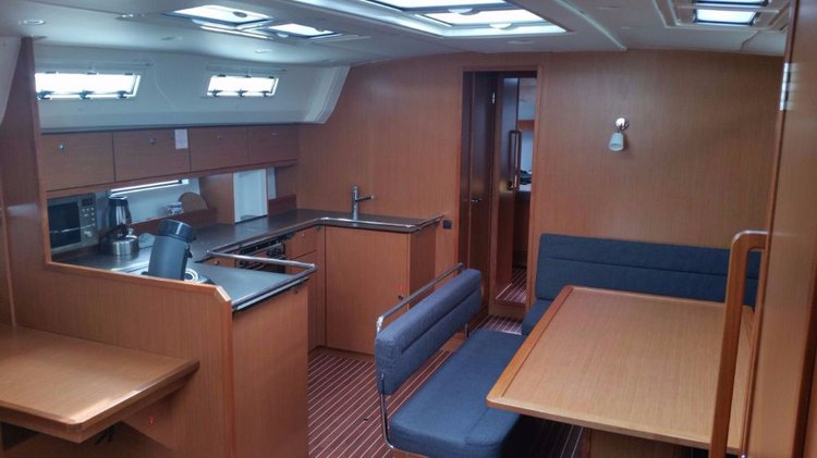 This 51.0' Bavaria Yachtbau cand take up to 10 passengers around Balearic Islands