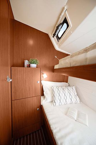 This 49.0' Bavaria Yachtbau cand take up to 10 passengers around Saronic Gulf