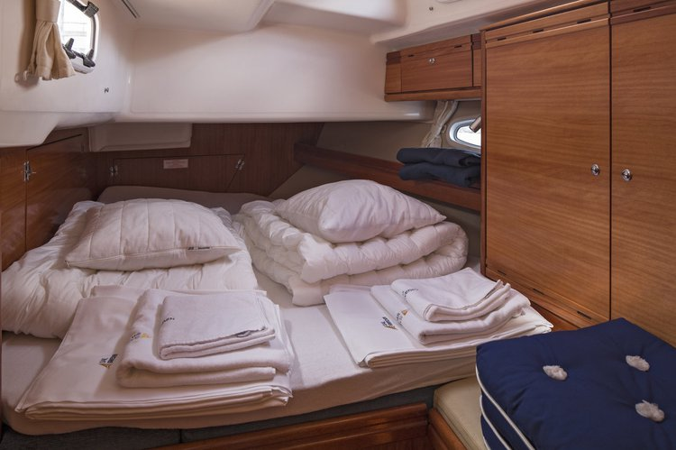 Discover Stockholm County surroundings on this Bavaria 50 Cruiser Bavaria Yachtbau boat