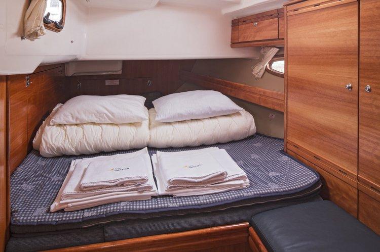Discover Stockholm County surroundings on this Bavaria 50 Cruiser Bavaria Yachtbau boat