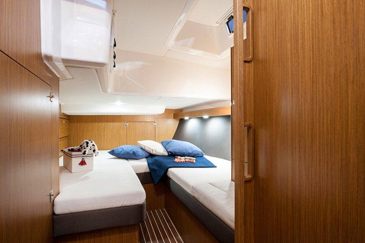 This 54.0' Bavaria Yachtbau cand take up to 12 passengers around Saronic Gulf