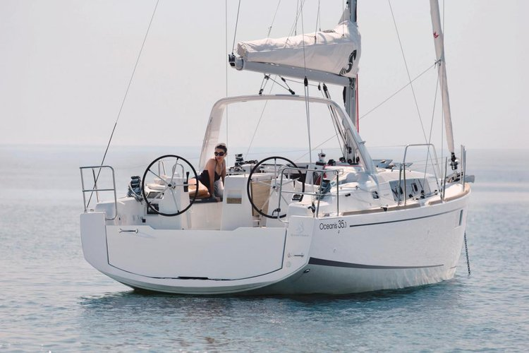 Discover Zadar region surroundings on this Oceanis 35.1 Bénéteau boat