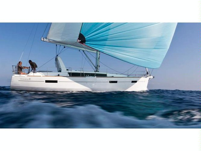 Enjoy luxury and comfort on this Bénéteau Oceanis 41 in Corsica