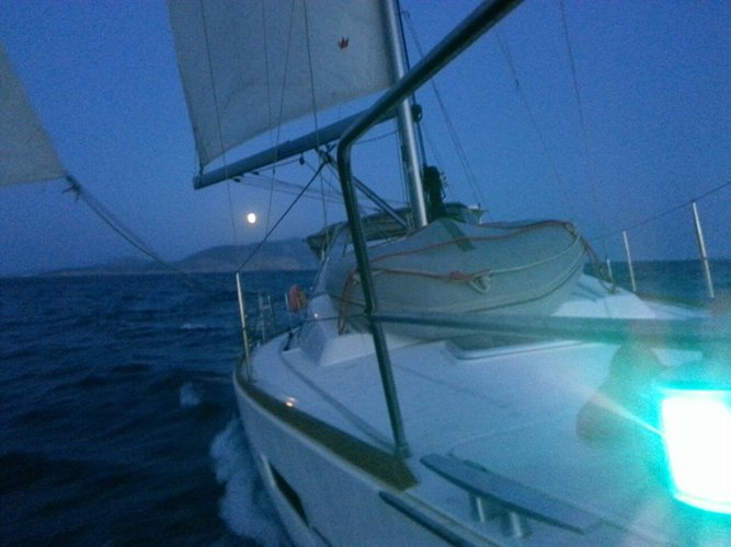 Discover Ionian Islands surroundings on this Oceanis 41 Bénéteau boat