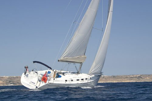 Charter this amazing Bénéteau Cyclades 43.3 in Campania