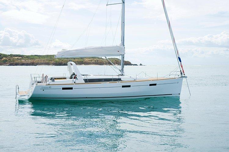 Boat for rent Bénéteau 45.0 feet in Côte d'Azur, France
