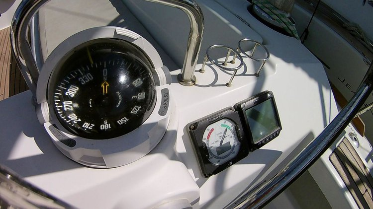 Beneteau boat for rent in Cyclades