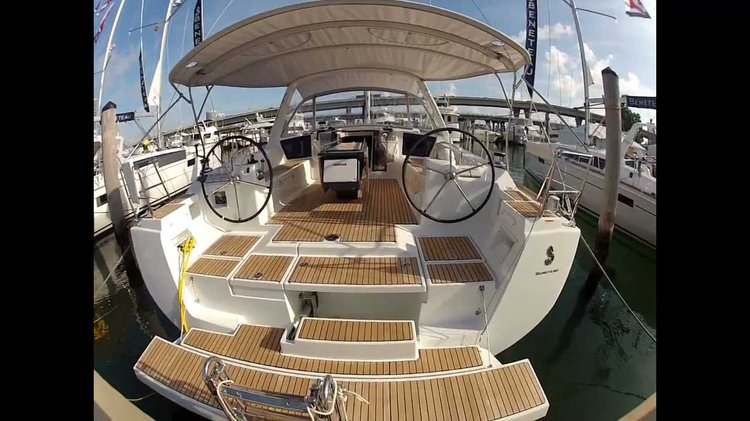Beneteau boat for rent in Sardinia