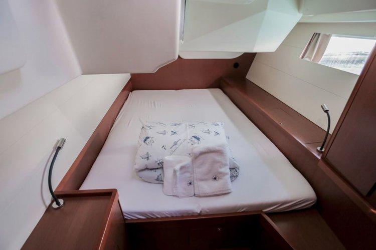 Boat for rent Bénéteau 47.0 feet in Marina