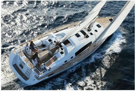 Discover Balearic Islands surroundings on this Oceanis 50 Family Bénéteau boat