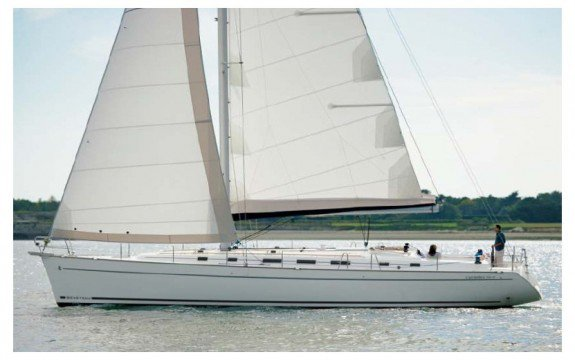 This 50.5' Beneteau cand take up to 11 passengers around Saint-Mandrier-sur-Mer