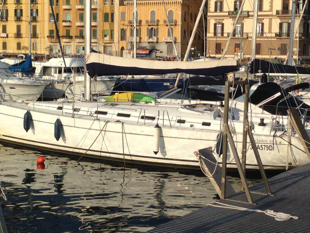 Discover Campania surroundings on this Cyclades 50.4 Bénéteau boat