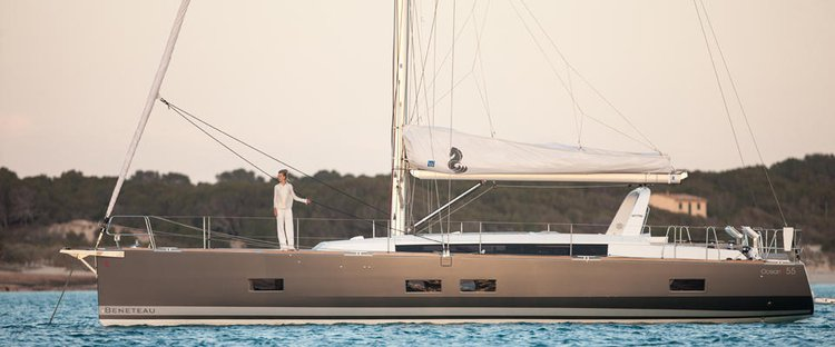Jump aboard this beautiful Bénéteau Oceanis 55