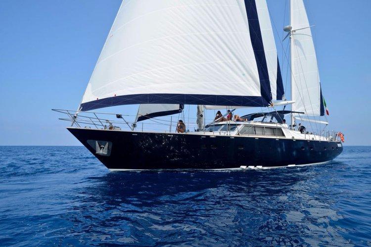 Sail Calabria waters on a beautiful Benetti Benetti MS 20