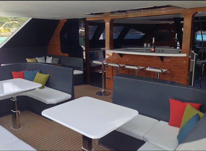 Boat rental in Warwick,