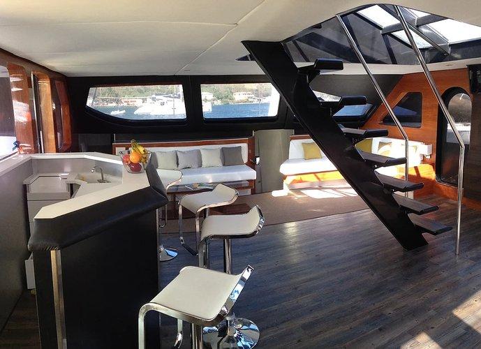 Catamaran boat for rent in Warwick