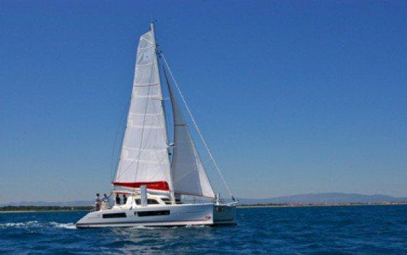 Boating is fun with a Catamaran in Blue Lagoon