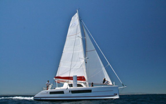 This 41.2' Catana cand take up to 8 passengers around Blue Lagoon