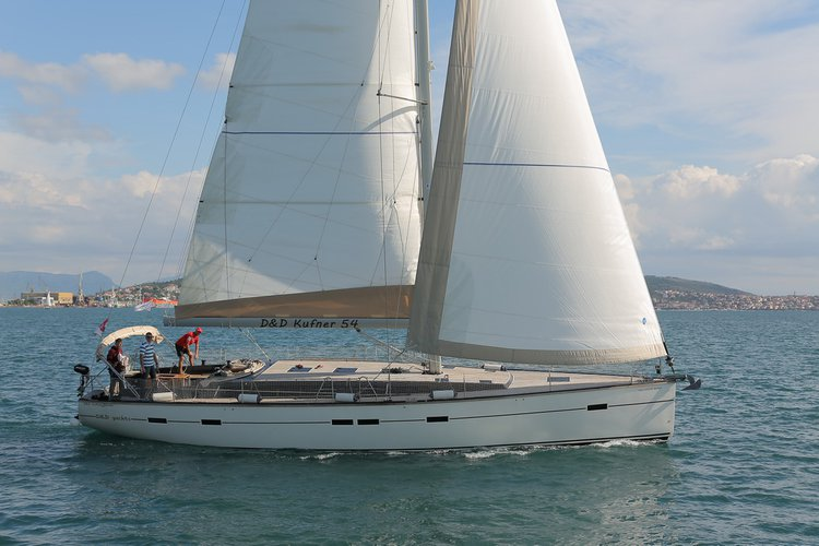 This 54.0' D&D Yacht cand take up to 12 passengers around Split region