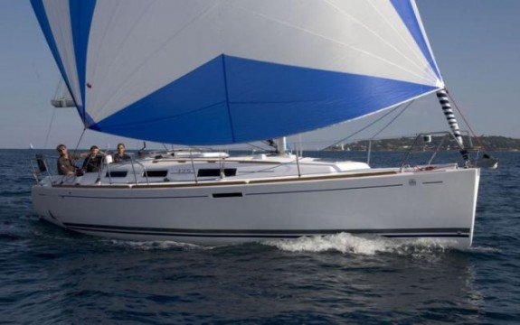Explore France onbpard this elegant sloop