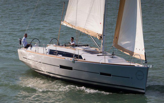 Have fun in France onboard Dufour 382 Grand Large