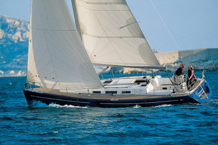 Experience pure luxury and comfort in Grenada onboard this splendid yacht