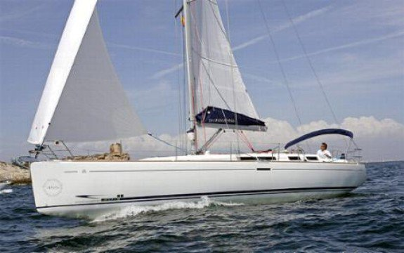 Explore Mexico onboard Dufour 455