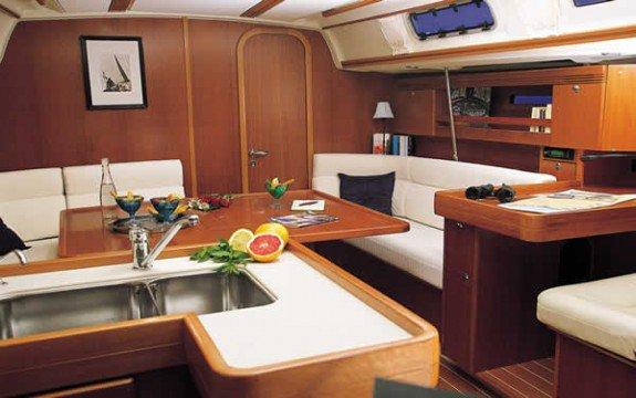 Sloop boat rental in Le Marin,