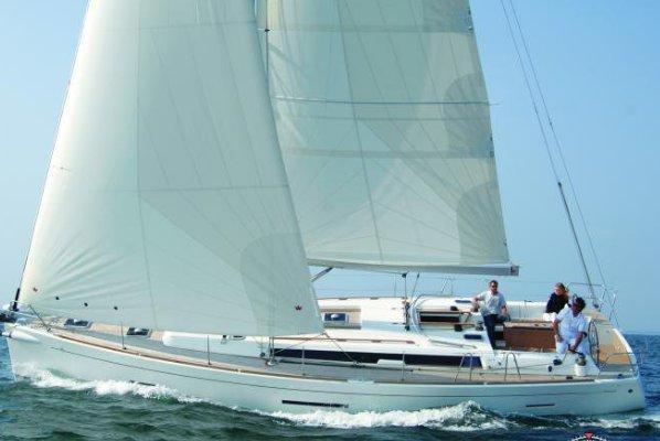 Boat for rent Dufour 45.0 feet in Saint-Mandrier-Sur-Mer,, France